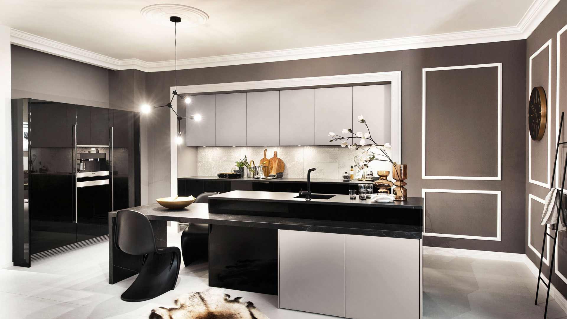 Innovativer Materialmix und hochwertige Elektrogeräte von Miele im Küchenstudio Ebner & Spuller in Graz
