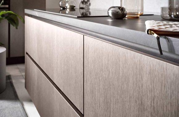 Küchentrends 2020 Häcker Metallic Optik und Haptik im Miele Center Ebner & Spuller