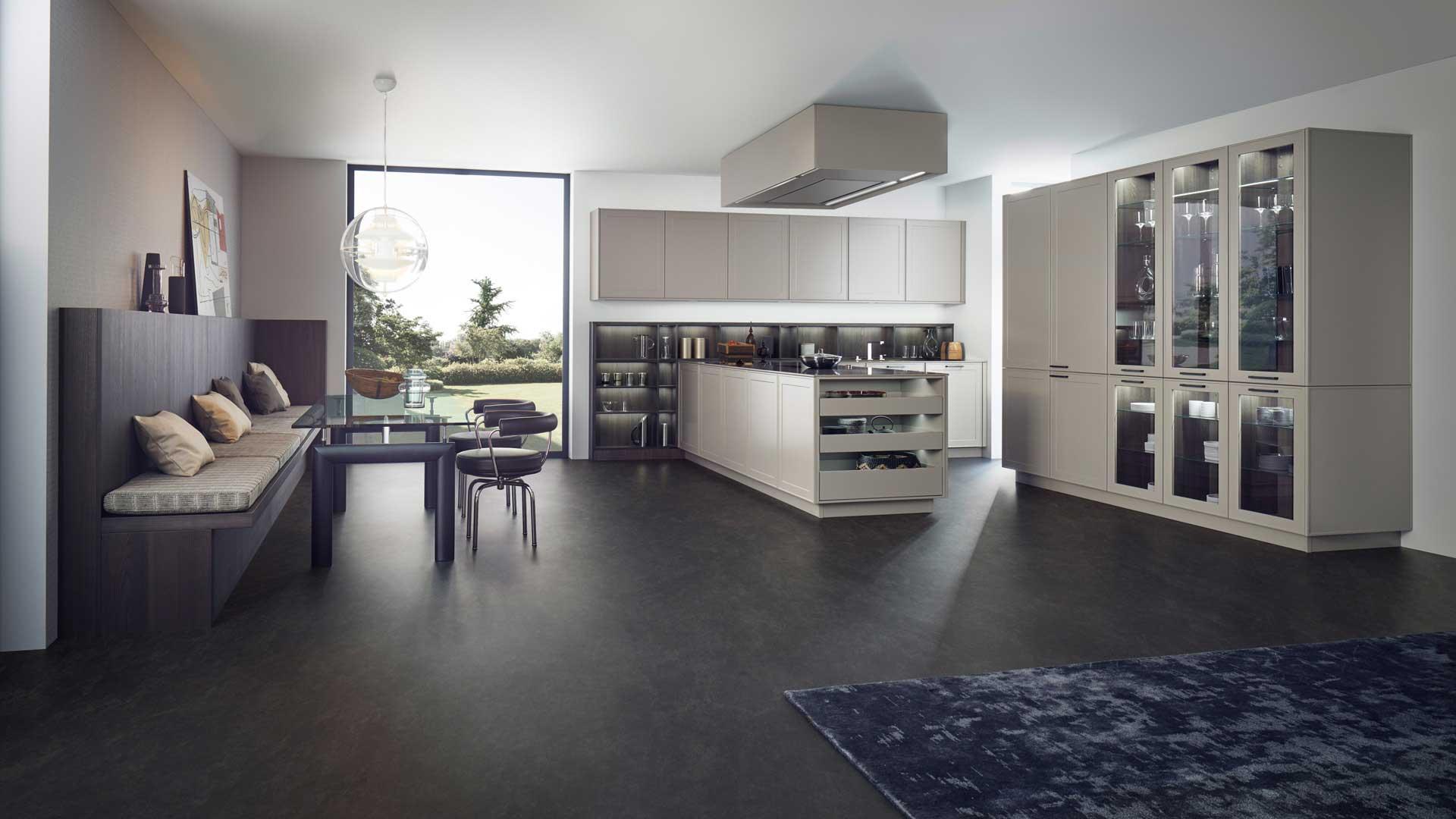Leicht Designküche mit Miele Geräten im Küchenstudio Ebner & Spuller in Graz