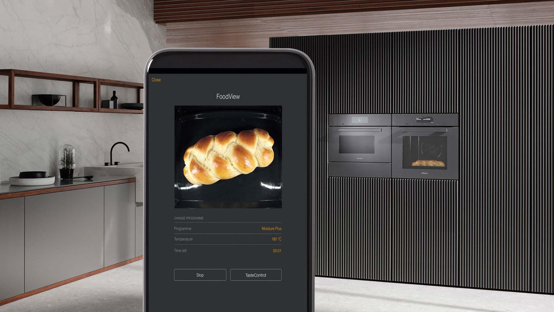 Kochen mit Kamerassistent - Smart Home von Miele bei Miele Center Ebner und Spuller Graz